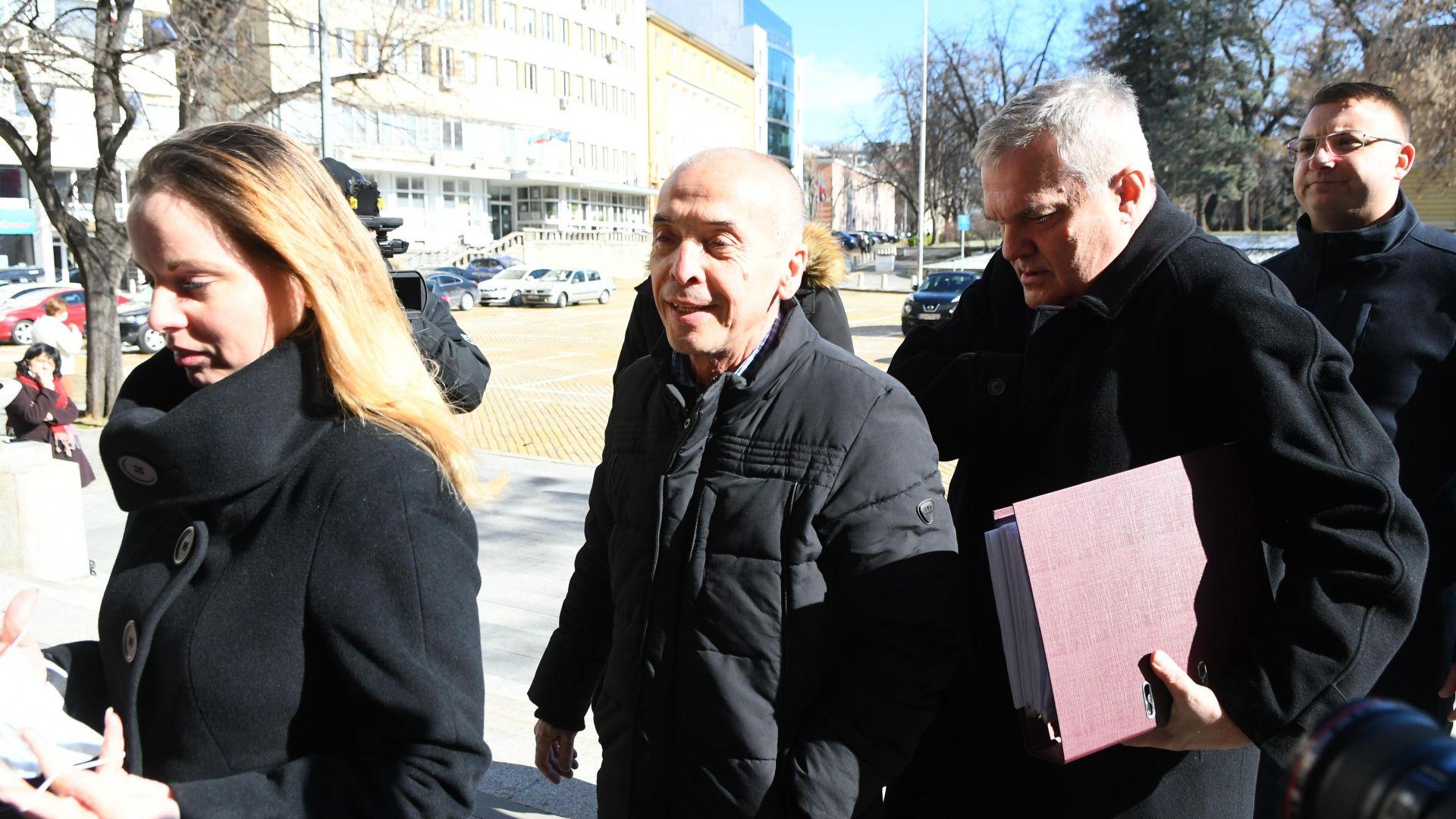 АБВ се регистрира в ЦИК за изборите, начело с доц. Атанас Мангъров
