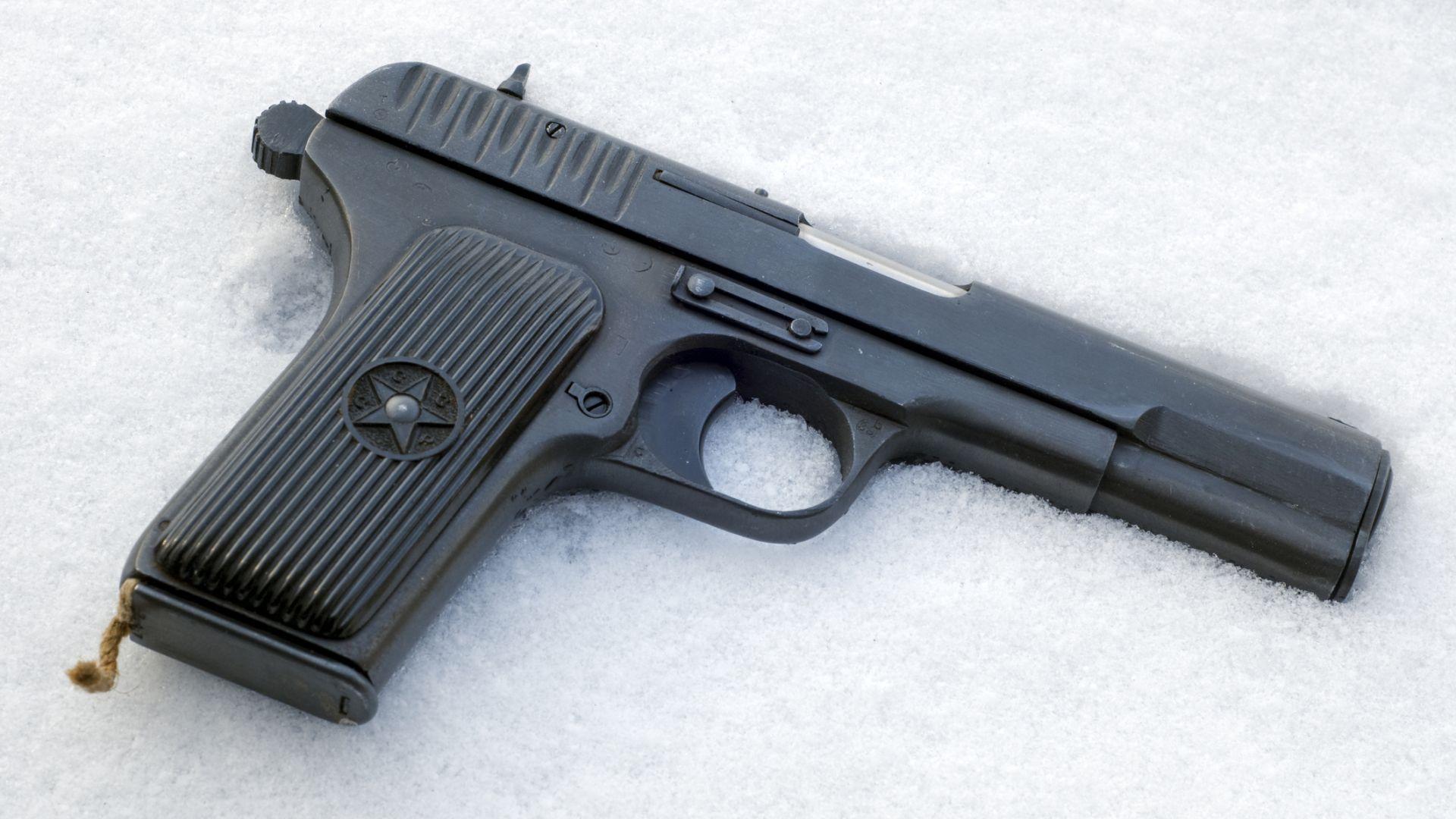 Преди 90 години стартира производството на пистолета ТТ