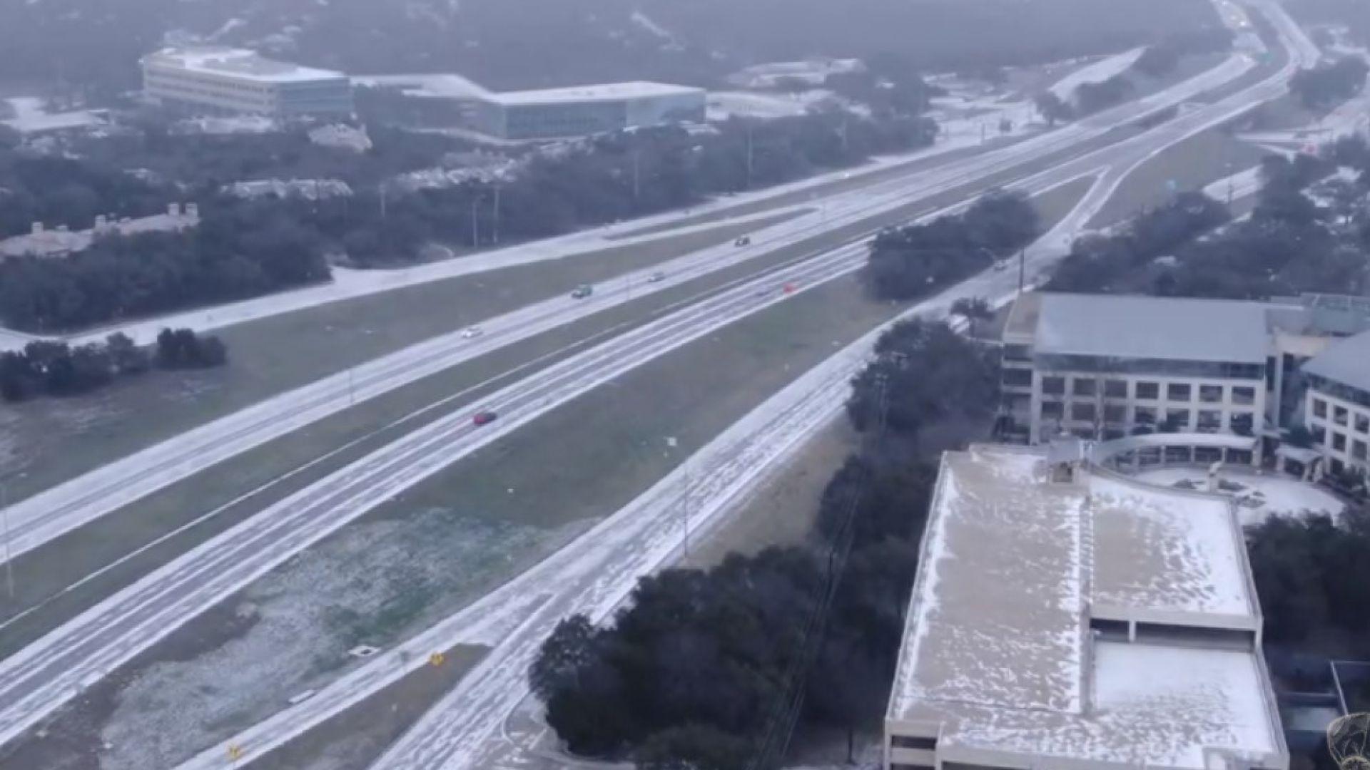 Извънредно положение в Тексас: Ледени бури спряха 1/2 от вятърните енергийни мощности