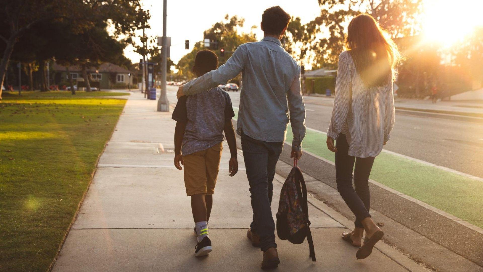 Тренд:  63% от българите не биха станали приемни родители