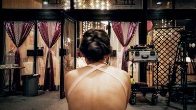 """""""Брак"""" на Слава Дойчева - къс филм за неслучилата се любов и белезите й"""