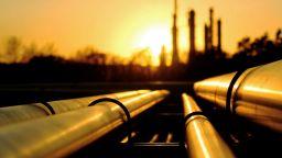 МАЕ намали прогнозата си за световното търсене на петрол