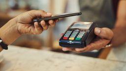 Мобилните плащания ще нараснат с 8% до 2023 година