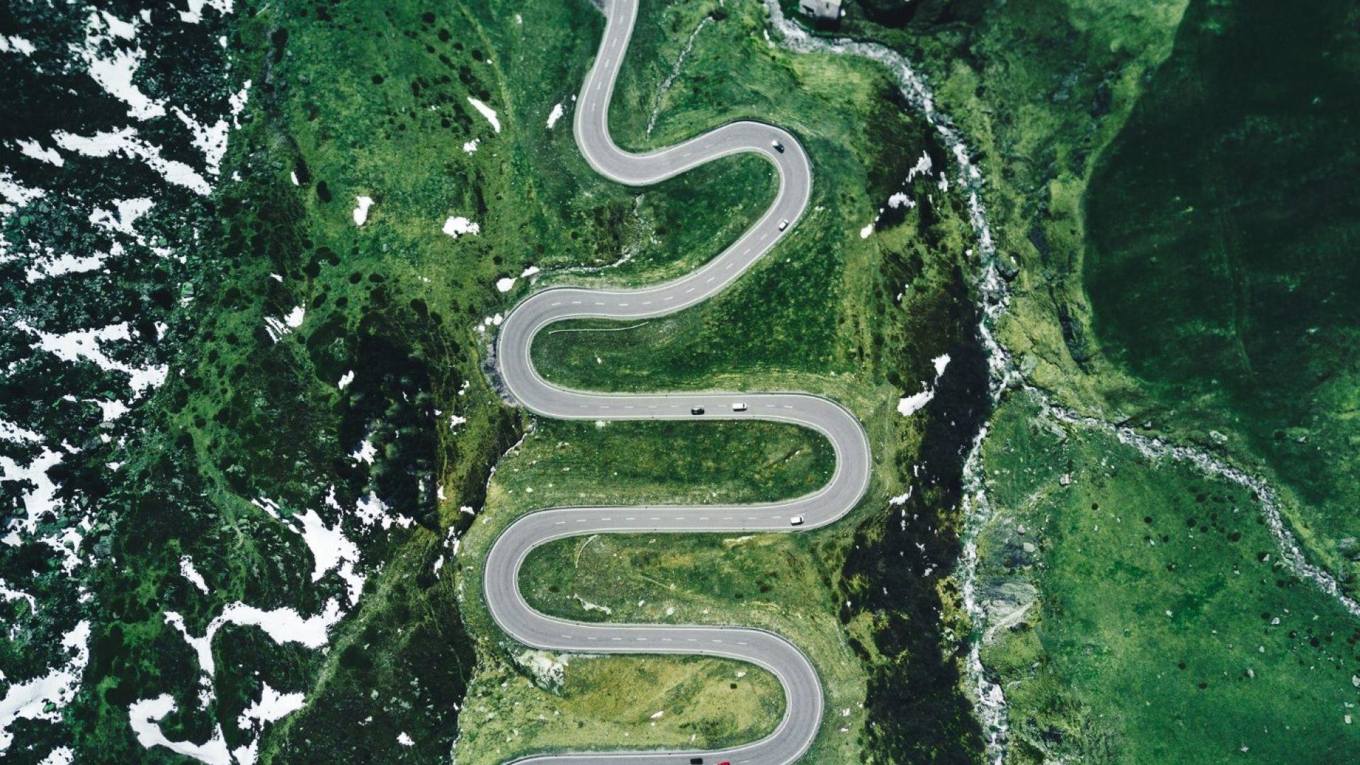 Проходът Юлиер: алпийски зигзаги в Швейцария