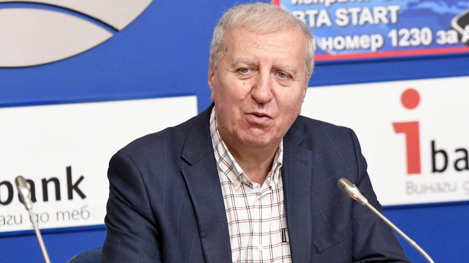 Александър Томов коментира темата ЦСКА: Не вярвам, че Ганчев си тръгва заради феновете