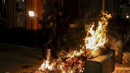 Горящи барикади бяха издигнати  при протестите в Испания срещу  арестуването на рапър