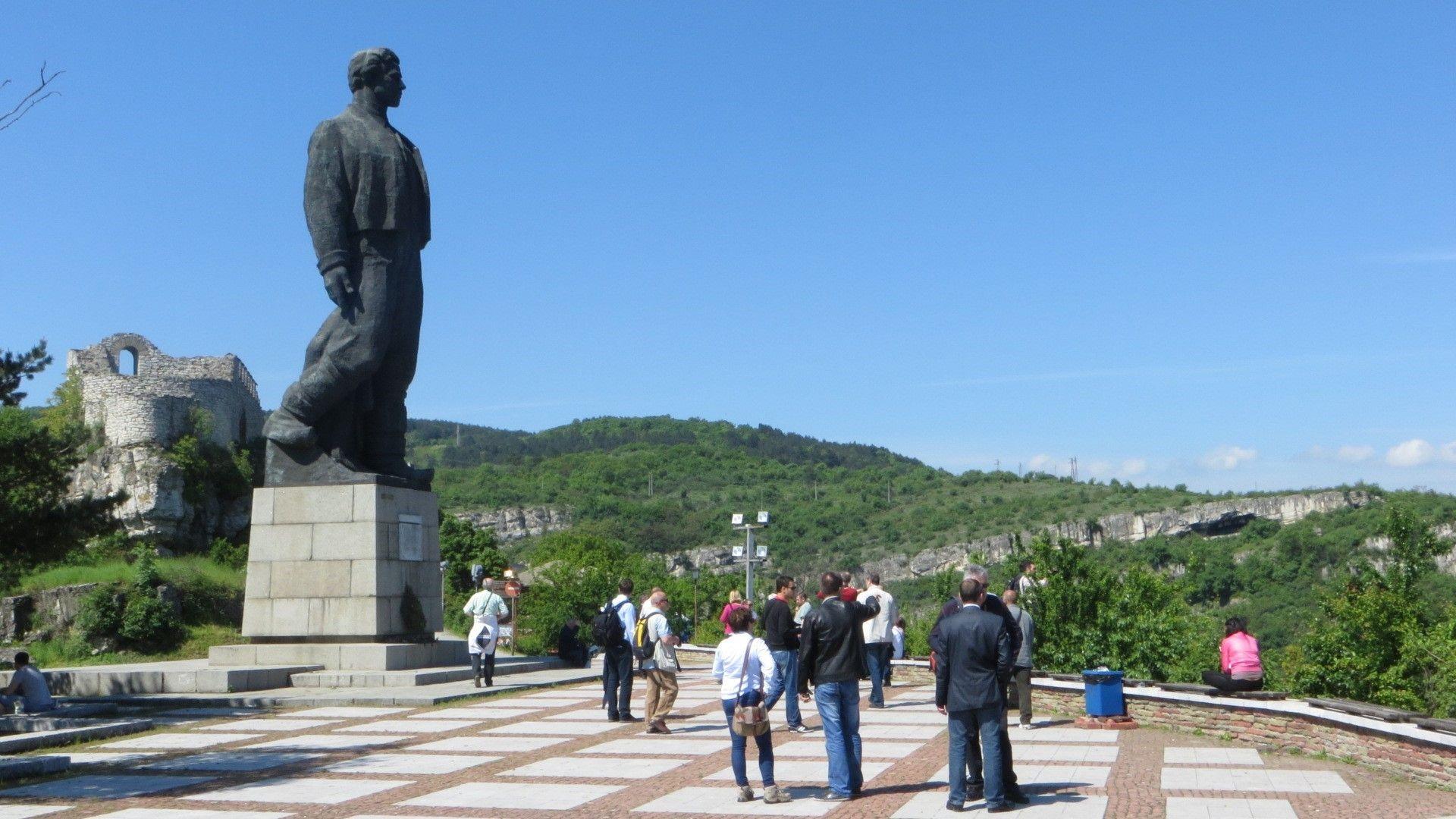 Паметникът на Левски в Ловеч