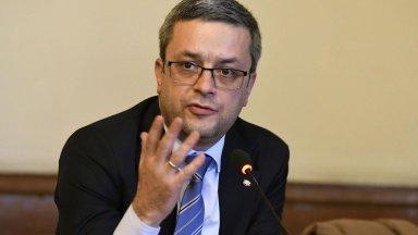 ГЕРБ към Слави Трифонов: Ние направихме технически поправки в ИК, а вие го изтърбушихте