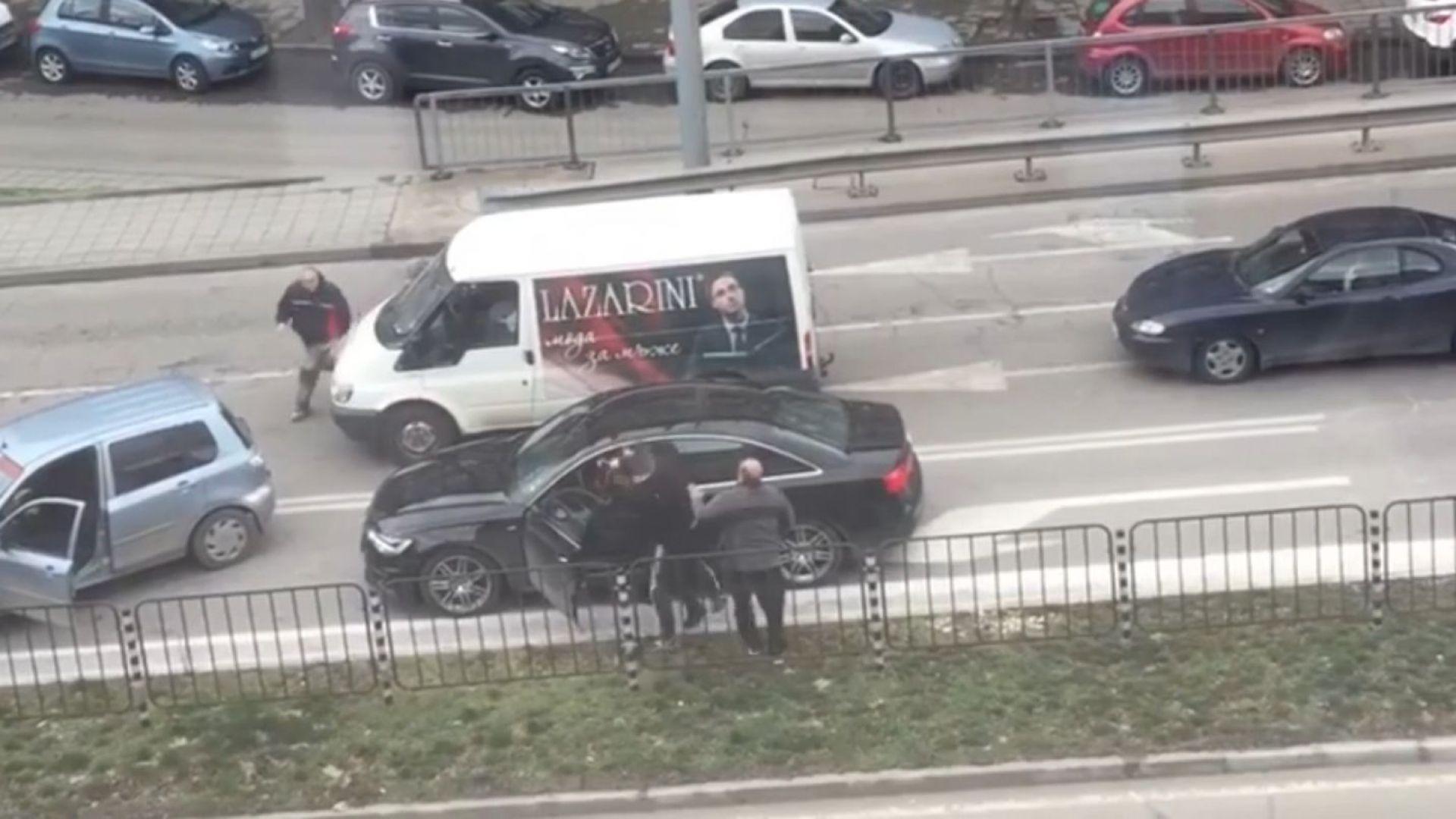 Бой между шофьори в Пловдив завърши с двама в ареста (видео)