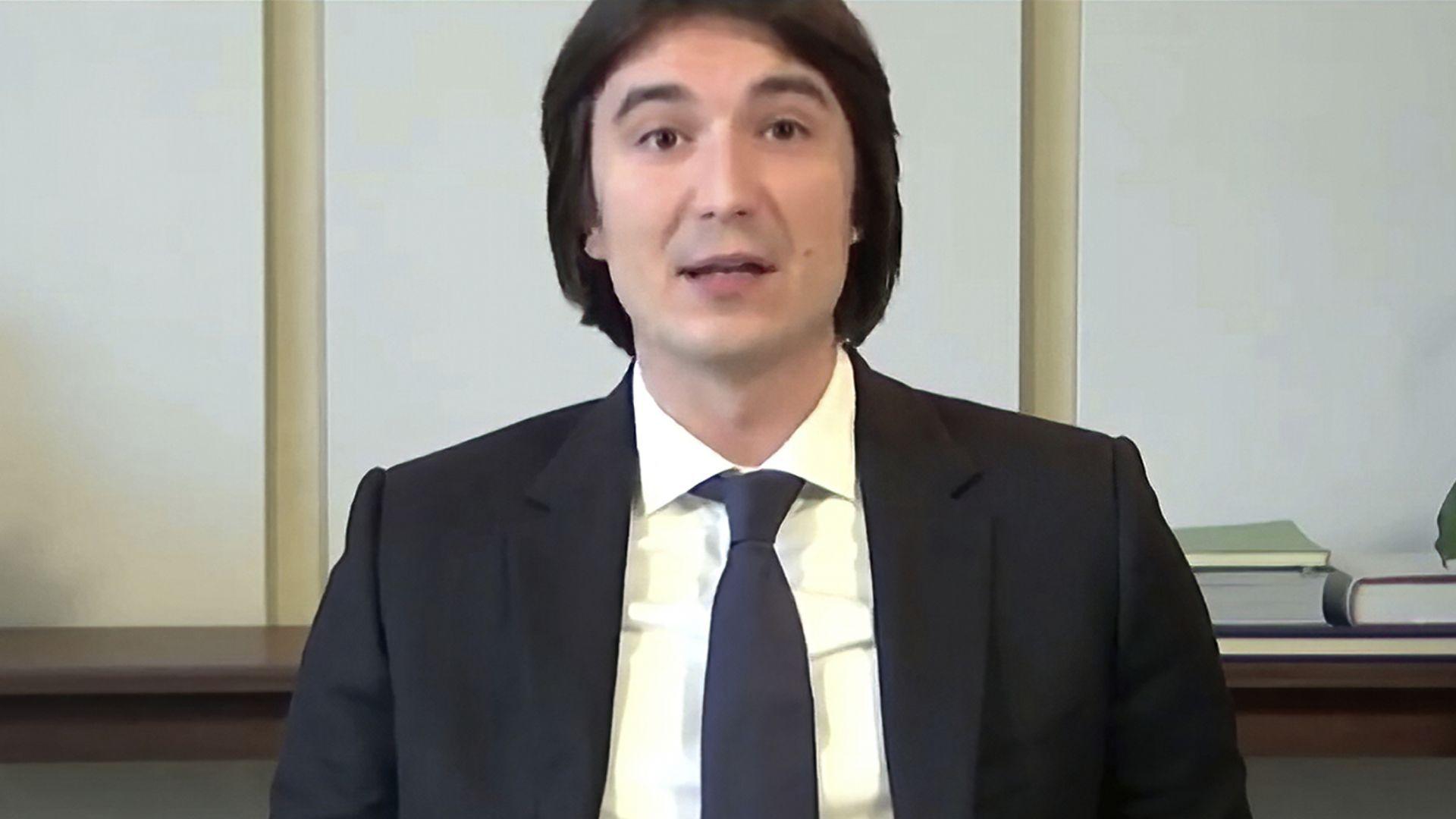 Влад Тенев се извини на потребителите на Robinhood пред американския Конгрес