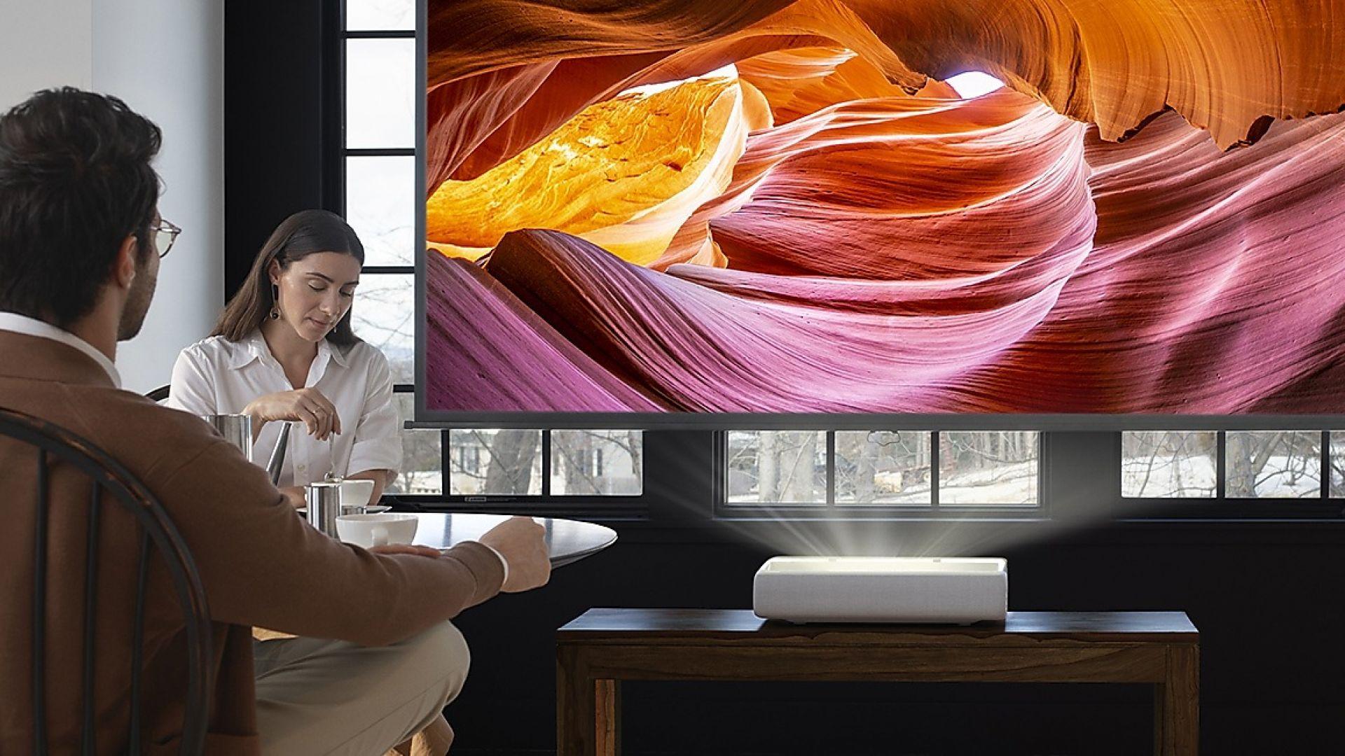 Samsung стартира продажбите на българския пазар на новия си телевизор The Premiere