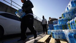 След кризата с тока: Милиони изваряват чешмяната вода в Тексас