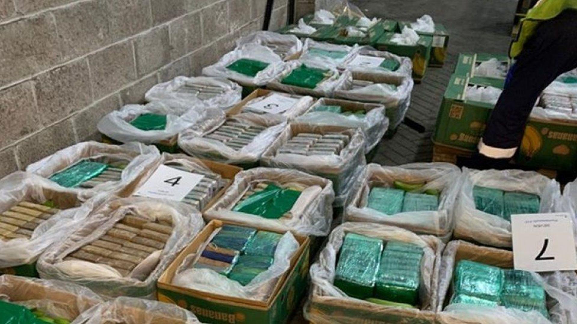 Британската полиция откри в кашони с банани кокаин за 250 млн. долара
