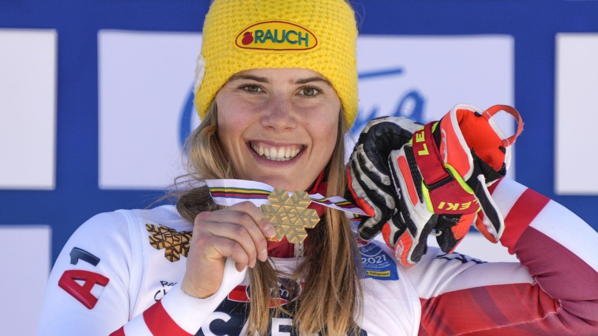 Австрийски триумф в слалома при дамите, четирима българи ще се спускат при мъжете