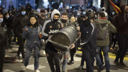 Шеста поредна нощ на протести в Испания заради осъдения на затвор  рапър Пабло Хасел