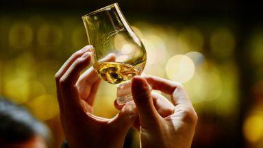 С аромат на препечен бадем или цветен и плодов: От какво зависи вкусът на уискито