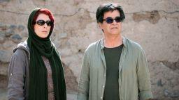 Джафар Панахи с  Наградата на София на 25-ия София Филм Фест