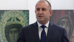Радев призова институциите да реагират на дискриминацията на българи в РСМ