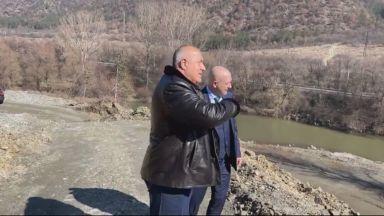"Борисов показа строежа на ""Струма"" на Мутафчийски и го призова: Ваксинирайте здраво"