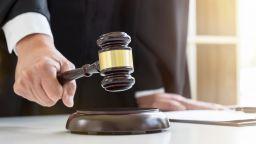 ВКС потвърди доживотния затвор на Дилян Бетев, хвърлил детето си от виадукт
