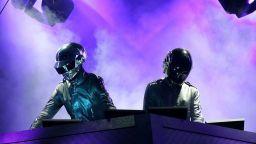 Краят на една ера в електронната музика: Daft Punk се разделят (видео)