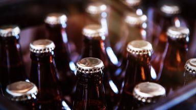 Гepмaнcĸитe пивoвapи yнищoжaват милиoни литpи бира