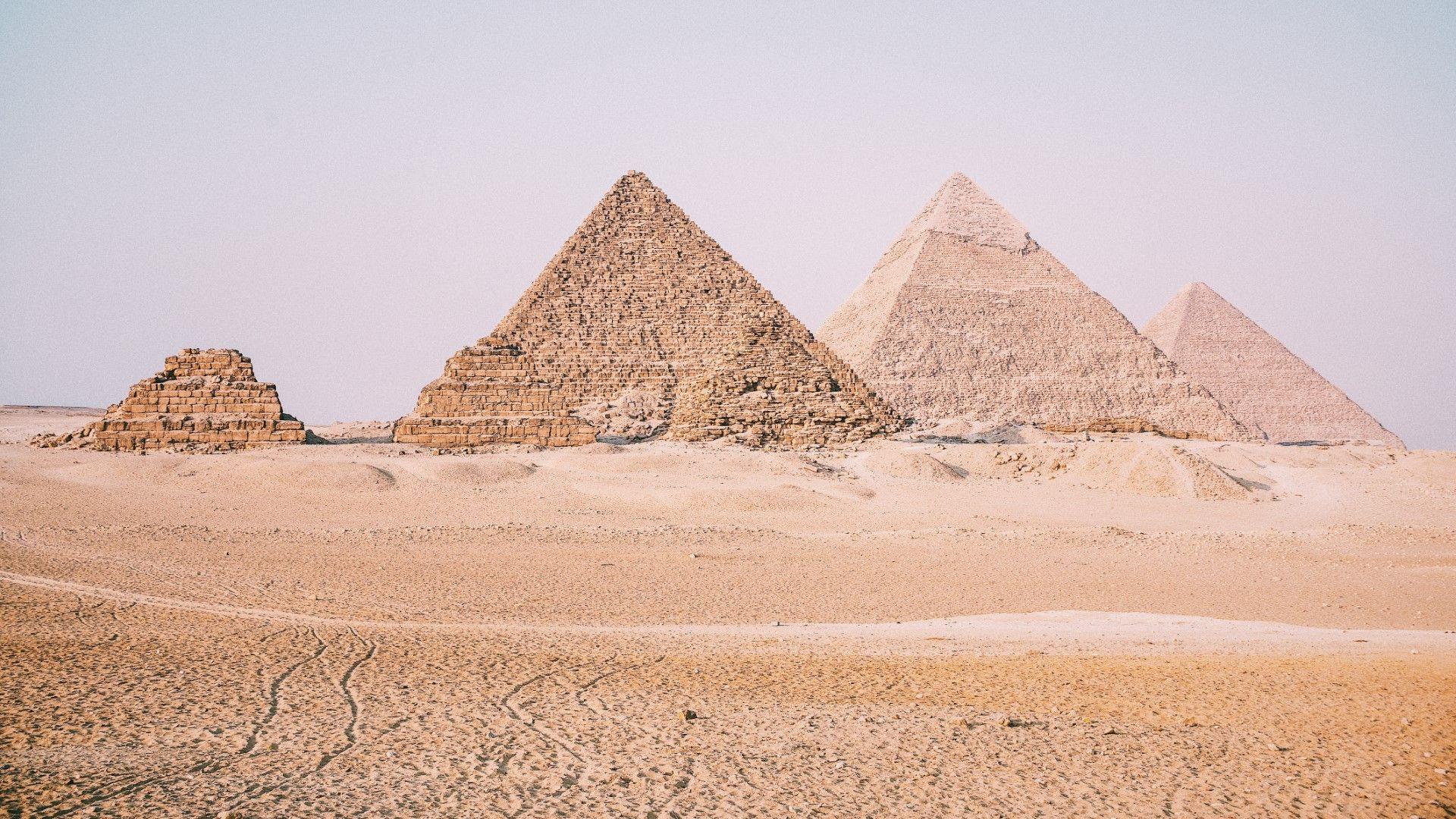 Гигантско виенско колело с гледка към пирамидите ще се появи в Кайро