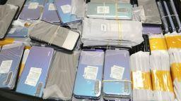 "Откриха 277 смартфона, укрити в две коли на ""Капитан Андреево"""