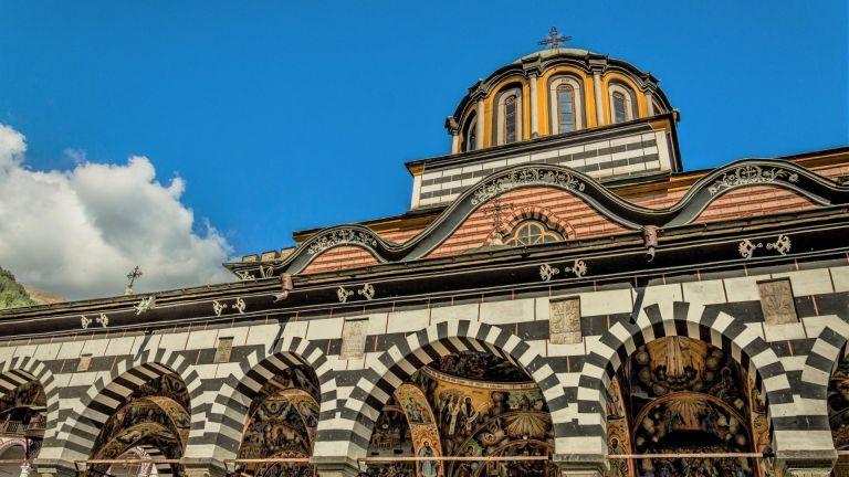 Кога ще отворят пътя до Рилския манастир?