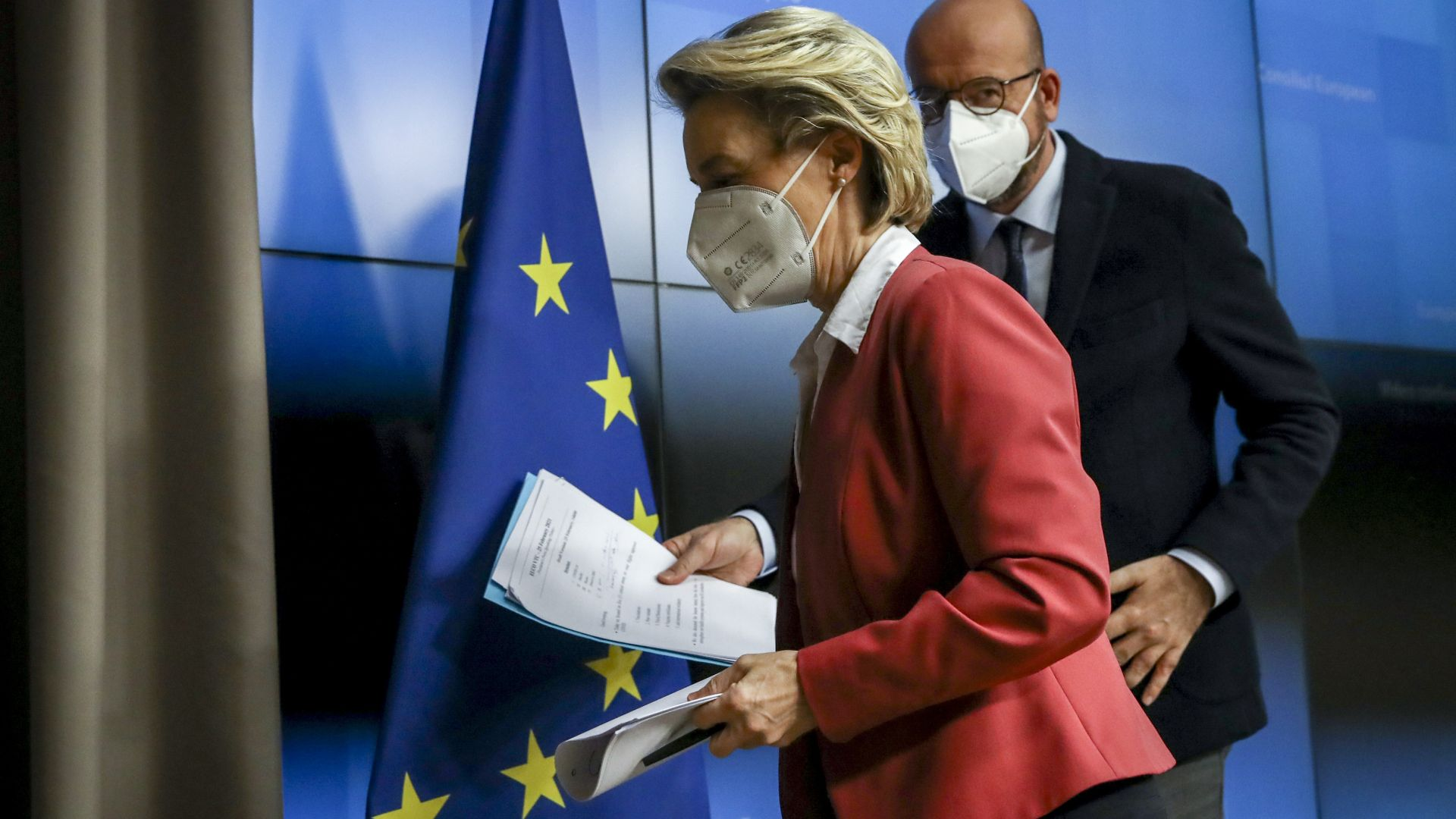 ЕК обмисля да преразгледа износа от ЕС на ваксини към някои държави