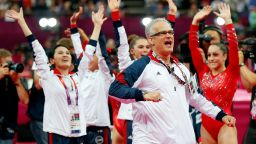 Златен олимпийски треньор се самоуби след 24 обвинения от секс скандала в гимнастиката