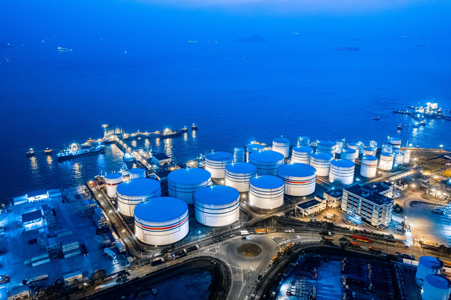 Глобалното търсене на втечнен природен газ се очаква да се увеличи почти двойно до 2014 г.