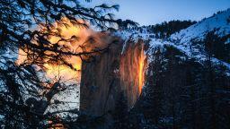 Огненият водопад, който може да видите само през февруари