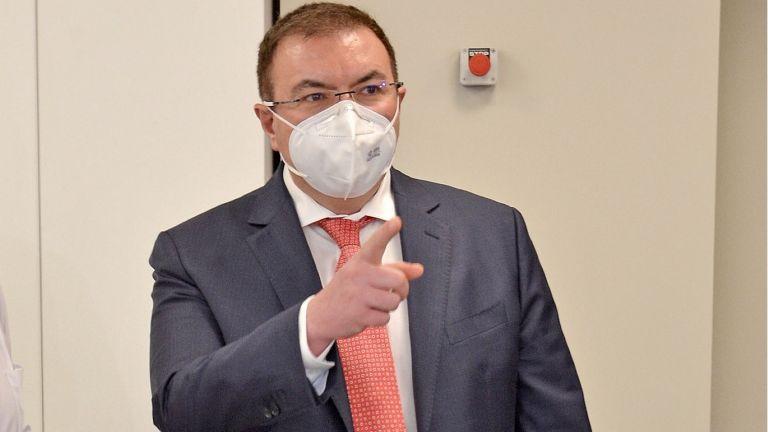 Министърът на здравеопазването Костадин Ангелов разпореди две проверки - в