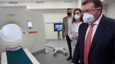 Здравният министър даде старт на последно поколение компютърен томограф (снимки)