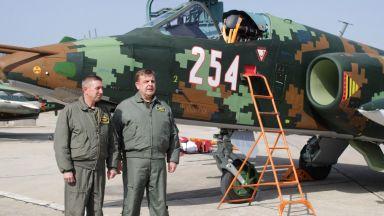 """""""Най-хубавият ден за авиацията ни"""": Самолетите Су-25 политат с модернизирана навигация"""