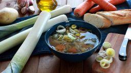 Уелс ще празнува с хляб и вода, вместо със символичния праз