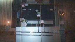 Три дни преди отварянето - незаконно парти в София, клиентите се барикадират