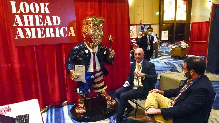 На годишното си събиране американски консерватори отправиха хвалебствия към бившия