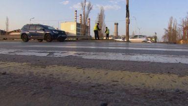 Блъснаха жена на пешеходна пътека, шофьорът не я видял заради камион