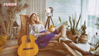 3 истории зад песните на Мила Роберт: Матракът е полето за изява на една любов - споделена или не...
