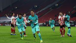 Ливърпул победи последния и прекъсна негативната си серия