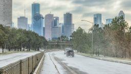 След бедствието в Тексас: Най-голямата електрическа компания в щата обяви фалит