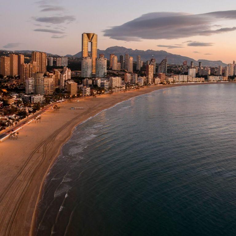 На плаж с резервация това лято в Испания