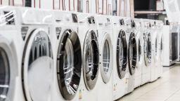 """От днес: нови етикети """"казват"""", колко вода и ток са нужни на пералнята, за да изпере"""
