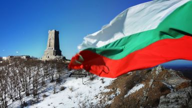 Какво споделиха за 3 март Лили Иванова, Васил Найденов, Мария Бакалова и други родни звезди