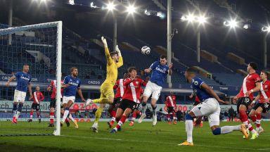Ранен гол стигна на Евертън да продължи битката за място в Шампионската лига