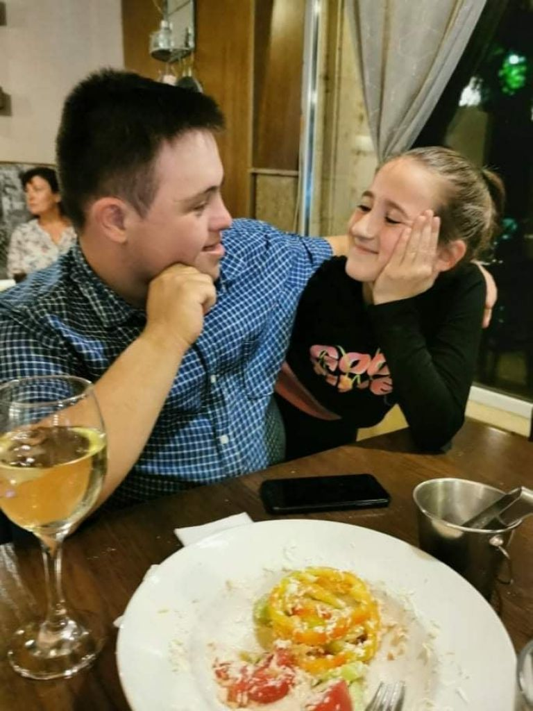 Наско и дъщерята на фотографката Анна Йончева