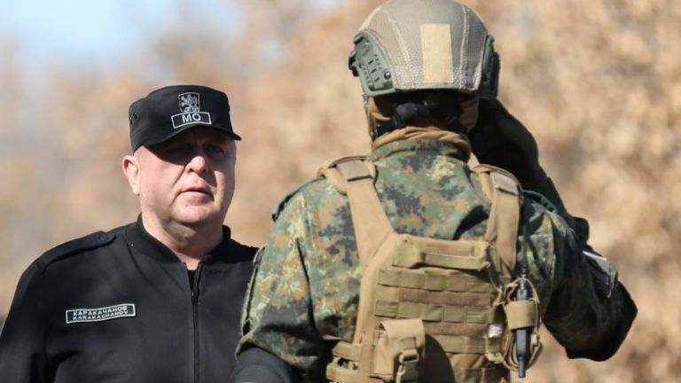 Министърът на отбраната Каракачанов изрази удовлетворение от високото ниво на изпълнение на задачите по време на съвместната подготовка