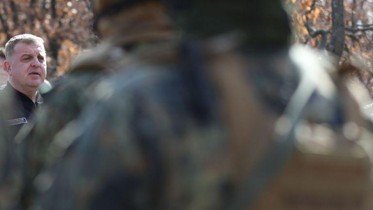 Това са момчета, на които ще разчитаме в първите часове на евентуален конфликт, посочи Каракачанов